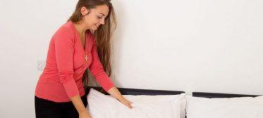 Como lavar travesseiro e tirar a mancha amarela?