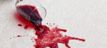 Como tirar mancha de vinho, 3 dicas fáceis de fazer!