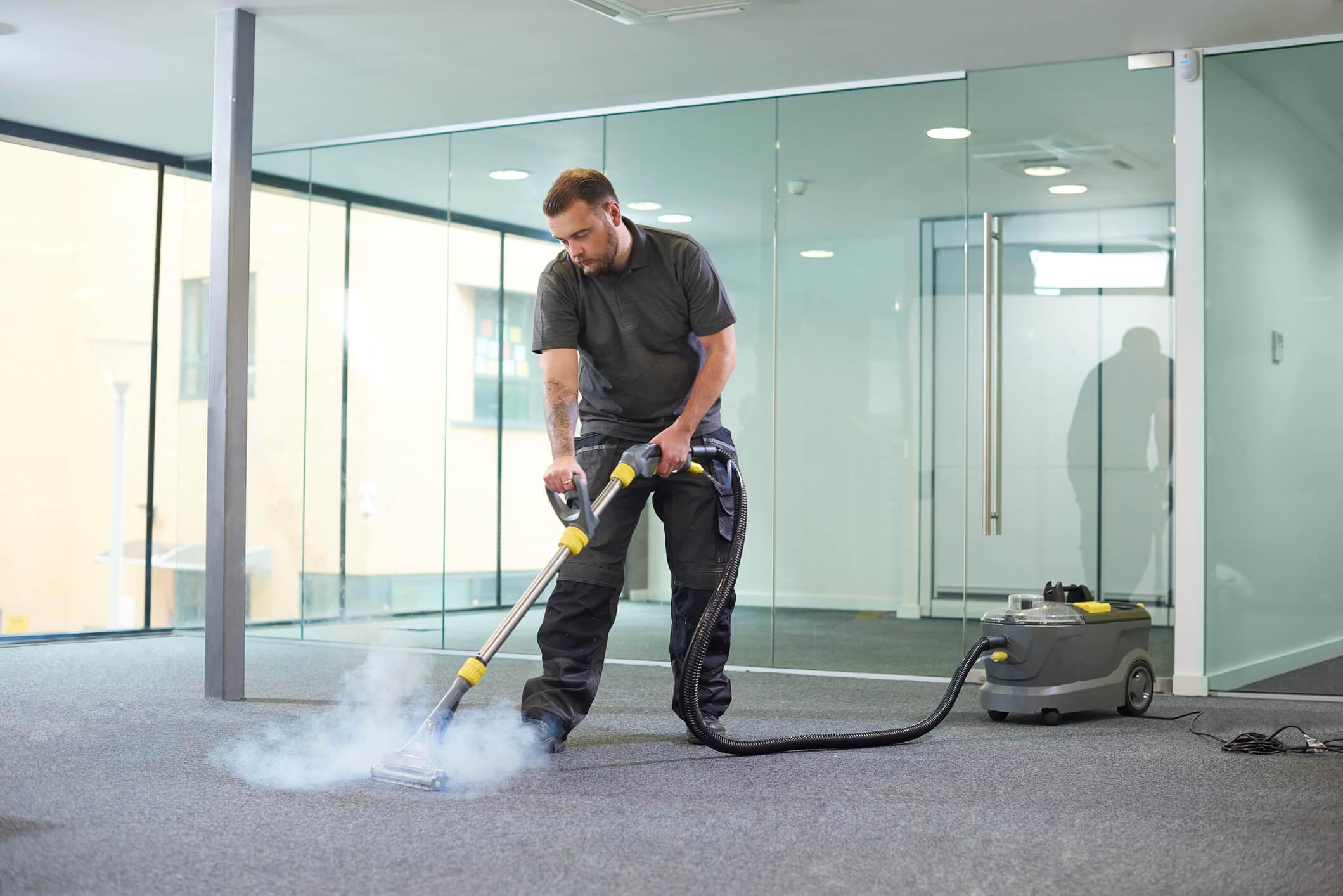 Confira 4 passos para tirar o mofo do carpete