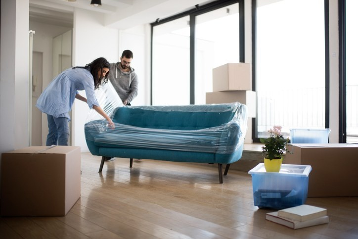 Entenda a diferença entre blindagem e impermeabilização de sofá